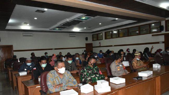 Jelang kepulangan pengungsi ke kediaman masing-masing Pertamina akan menyiapkan swab antigen Covid-19 untuk memastikan mereka pulang dalam keadaan sehat.