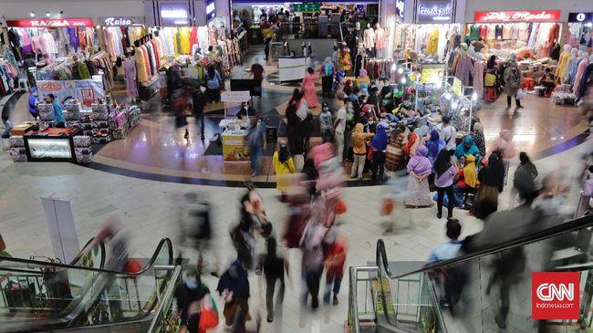 PD Pasar Jaya mengklaim Pasar Tanah Abang mulai ramai sejak vaksinasi covid-19. Namun, ia tak bisa memastikan apakah keramaian terakhir belanja Ramadan.