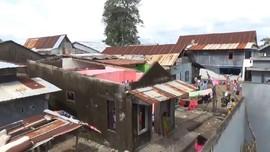 VIDEO: Angin Kencang Rusak Ratusan Rumah