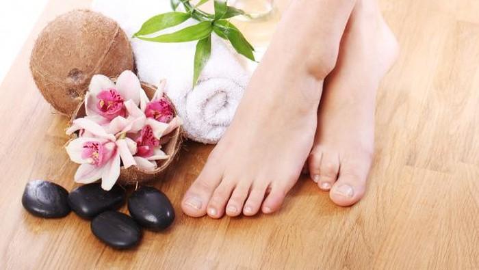 5 Cara Efektif Hilangkan Bau Kaki yang Mengganggu