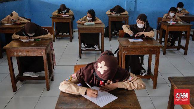 Pemkot Bekasi berencana memperluas jumlah sekolah tatap muka dan rombongan belajar secara bertahap di tengah pandemi covid-19.