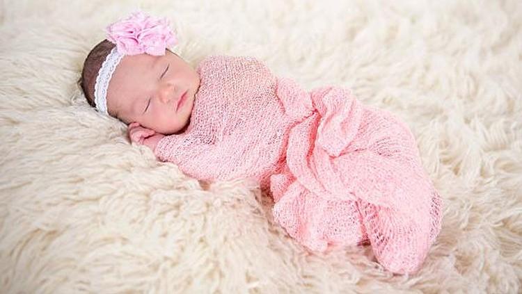 Bunda sedang menunggu kelahiran seorang bayi yang cantik? Berikut ini adalah rangkaian nama cantik, yang bisa menjadi pilihan Bunda. Yuk disimak Bun.