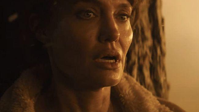 Angelina Jolie cukup sering bermain dalam deretan film action. Berikut beberapa film action yang dibintangi Angelina Jolie.