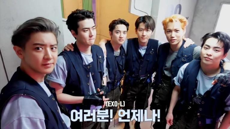 EXO resmi merayakan 9 tahun debut di industri musik Korea Selatan. Berikut potret EXO dari awal debut hingga merayakan 9th Anniversary!