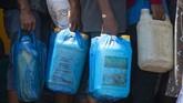 Pertamina menyiapkan pola distribusi alternatif dalam menyalurkan BBM di lokasi terdampak banjir bandang dan tanah longsor di NTT.