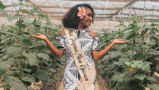 Miss Papua Nugini Lucy Maino harus melepas mahkota setelah dia mengunggah video menari di TikTok. Ribuan komentar netizen banjiri postingan itu.