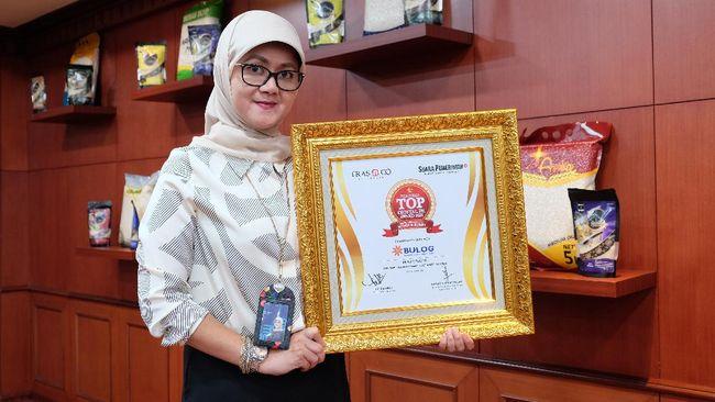 Perum Bulog meraih penghargaan Indonesia Digital PR Award 2021 pada acara Press Conference dan E-Awarding TOP Digital PR Award 2021 pada Kamis (8/4).