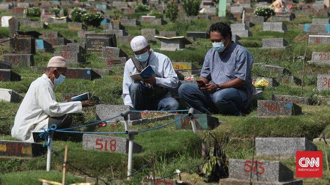 Dinas Pertamanan dan Hutan Kota DKI Jakarta mengeluarkan Surat Edaran berisi peniadaan kegiatan ziarah kubur selama masa libur Lebaran 2021.
