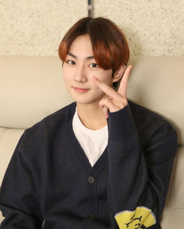 Banyak Idol K-Pop lain menjadikan Jungkook BTS sebagai Role Model mereka. Yuk intip siapa saja mereka!