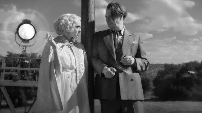 Mank mampu membawa penonton ke dalam kontroversi film Citizen Kane, film fenomenal peraih Oscar 1942.