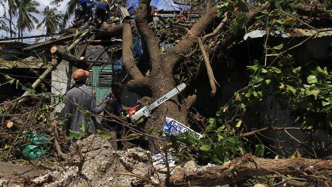Pemerintah Kabupaten Kupang menyatakan 6.546 unit rumah warga di daerah itu rusak akibat terjangan badai siklon tropis seroja pada Ahad (4/4) lalu.