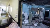 Gempa berkekuatan magnitudo 6,1 mengguncang wilayah selatan Malang dan sejumlah wilayah di Jatim, Sabtu (10/4). Enam orang meninggal dan puluhan bangunan rusak.