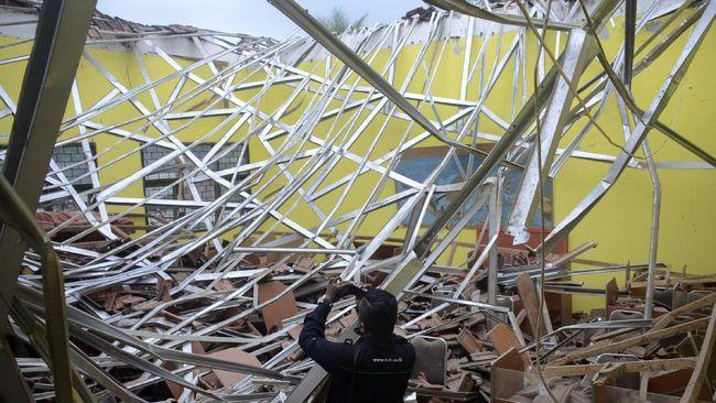 BMKG menyebut ribuan rumah yang rusak akibat gempa di Malang terkait dengan kualitas bangunan, struktur dan kemiringan tanah, serta dekat ke pusat gempa.