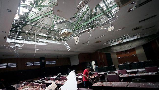 Data BNPB menunjukkan 8 orang meninggal dan 179 fasum rusak akibat gempa di Malang, Jawa Timur. Lima orang meninggal dunia di Lumajang dan tiga orang di Malang.