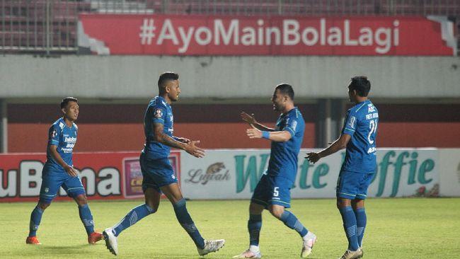 Persib melangkah ke final Piala Menpora 2021 usai bermain imbang 1-1 dengan PSS Sleman di Stadion Manahan, Solo, Senin (19/4) malam.