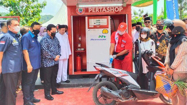 Menteri BUMN Erick Thohir melarang Pertamina memiliki saham di Pertashop, demi memberi peluang kepada pengusaha di daerah dan pesantren.