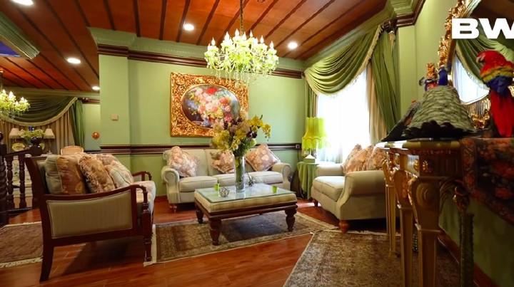 Rumah Mewah Tasya Farasya