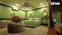 <p>Seperti namanya, mayoritas isi rumah Tasya Farasya ini berwarna hijau. Salah satunya adalah kamar tidur ini. (Foto: YouTube Boy William)</p>