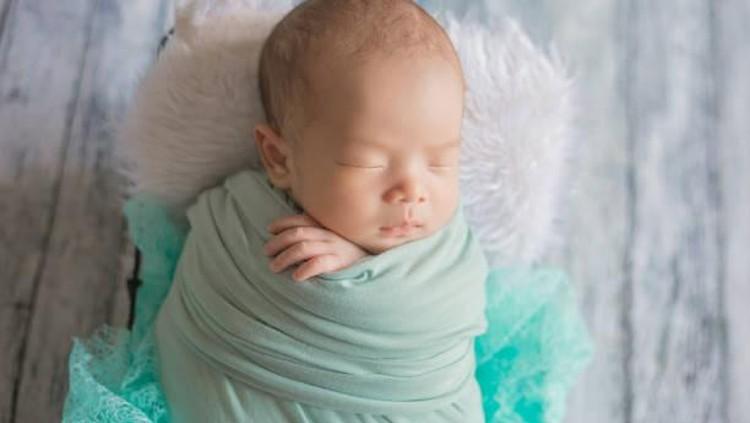 Keceriaan musim panas bisa Bunda dapatkan melalui nama bayi laki-laki yang mengambil inspirasi dari hal-hal tersebut. Simak daftar nama bayinya di sini!