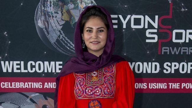 Hajar Abulfazl merupakan generasi pertama pesepakbola wanita pertama di Afghanistan setelah jatuhnya Taliban pada 2001.