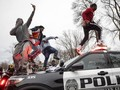 FOTO: Penembakan Warga Kulit Hitam Picu Minnesota Membara