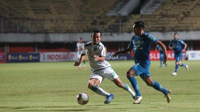 Sempat menyatakan tak punya target dalam Piala Menpora 2021, kini pelatih Persib Robert Rene Alberts bernafsu meraih tiket final turnamen pramusim ini.