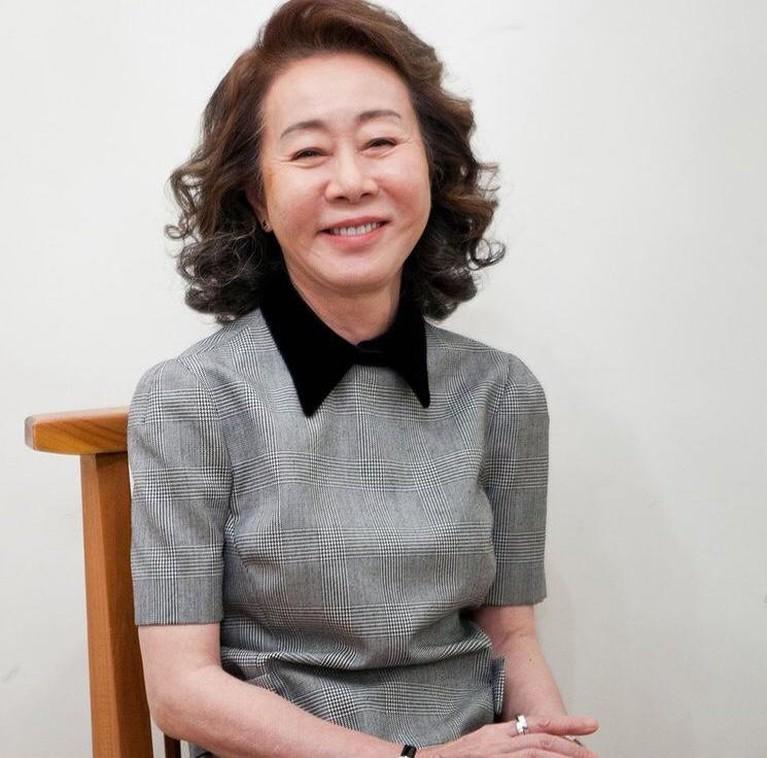 Youn Yuh-jung mendadak viral karena ia merupakan Aktris Korea pertama yang menang di BAFTA. Berikut inilah sosok Youn Yuh-jung!