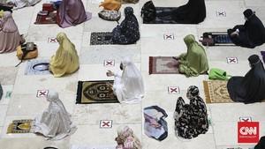 FOTO: Khusyuk Tarawih Pertama Ramadan 2021 di Masjid Istiqlal