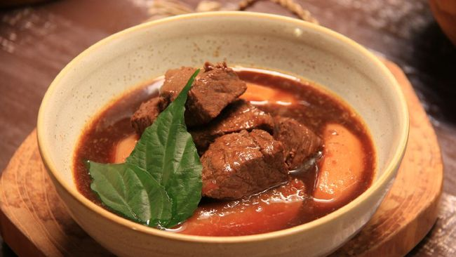 Sudah masak apa hari ini? Resep semur daging untuk Anda kali ini bisa jadi inspirasi untuk sajian makan bersama keluarga.