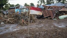 FOTO: Sisa Lara Banjir Bandang di Lembata dan Adonara NTT