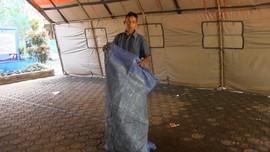 VIDEO: Korban Gempa Lumajang Siapkan Tempat Ibadah Darurat