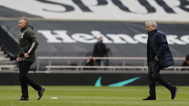 Noah, putra manajer Manchester United Ole Gunnar Solskjaer, ikut campur dalam perselisihan antara ayahnya dan manajer Tottenham Hotspur, Jose Mourinho.