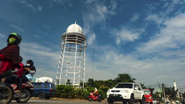 Gubernur Banten Wahidin Halim menggelar sayembara desain terbuka untuk merevitalisasi Tugu Pamulang yang kini tampak seperti toren penampung air.