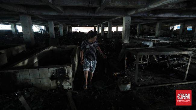 Wagub DKI Ahmad Riza Patria menyoroti masalah instalasi listrik dan ketiadaan larangan merokok terkait dengan dua kasus kebakaran pasar di Jakarta.
