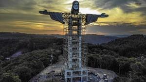 FOTO: Brasil Bangun Patung Kristus Raksasa Baru