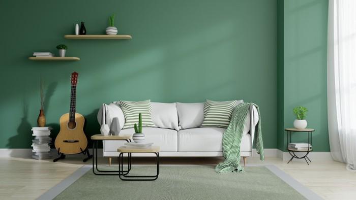 Ruang keluarga dengan nuansa berwarna hijau dan aksen berwarna putih dapat membuat ruang keluarga menjadi nyaman dan sejuk. Pilihan furniture dapat dijadikan pertimbangan agar sesuai dengan tema warna ruang keluraga (sumber : freepik)