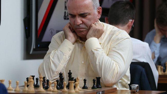 Legenda catur asal Uni Soviet yang kini menjadi Rusia, Garry Kasparov berulang tahun ke-58 tepat pada hari ini.