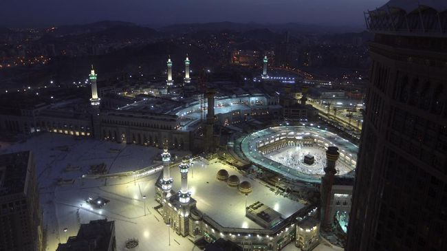 Konsul Haji di KJRI Jeddah mengatakan dari lebih 558.270 pendaftar ibadah haji di Arab Saudi akan disaring pemerintah kerajaan tersebut jadi hanya 60 ribu.
