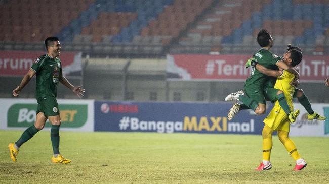 PS Sleman menjadi klub terakhir yang memastikan tiket semifinal Piala Menpora 2021, setelah mengalahkan Bali United melalui babak adu penalti.