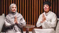 <p>Istri Atta Halilintar ini tampil cantik mengenakan hijab, Bunda. (Foto: Instagram @attahalilintar)</p>