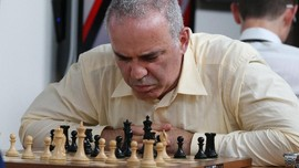 Momen Legenda Catur Dunia Kasparov Puji Chelsie Monica