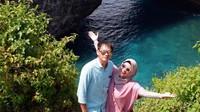 <p>Tahun 2021 bisa dibilang tahun spesial bagi Ikke Nurjanah. Ia akhirnya mantap menikah lagi setelah 14 tahun menjadi <em>single parent</em>. Ia menikah dengan Karlie Fu, manajer Sandhy Sandoro dan mendiang Glenn Fredly. (Foto: Instagram @karliefu_)</p>