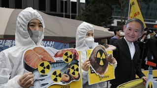 FOTO: Jerit Aktivis Tolak Jepang Buang Limbah Nuklir ke Laut