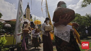 FOTO: Khidmat Sembahyang pada Hari Raya Galungan