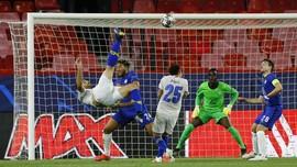 Gol Salto Pemain Porto Buat Manajer Chelsea Berkeringat