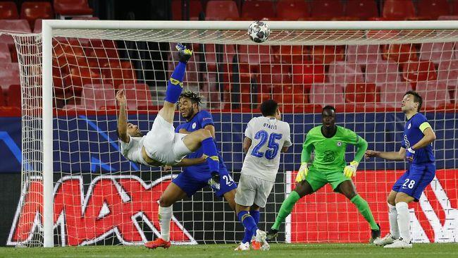 Mehdi Taremi memastikan kemenangan Porto 1-0 atas Chelsea pada leg kedua perempat final Liga Champions dengan tendangan salto di masa injury time.