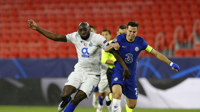 Chelsea tetap lolos ke semifinal Liga Champions meski kalah 0-1 melawan Porto pada leg kedua babak perempat final.