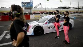 FOTO: Debut Bersejarah Tim Wanita di Balap Mobil Argentina