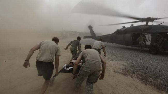 Presiden Joe Biden mengumumkan bakal menarik pasukan Amerika Serikat di Afghanistan sebelum September mendatang, mengakhiri perang terpanjang Negeri Paman Sam.