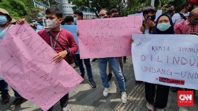 Diduga Paspampres Usir Wartawan di Pemkot Medan